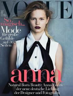 Anna Ewers la modella dell'anno copertina vogue redazionale