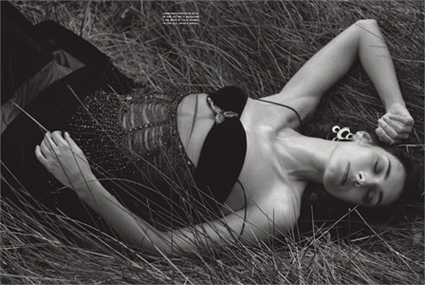 Photo by Petere Lindberg 2006 Vogue Italia, luglio 2006