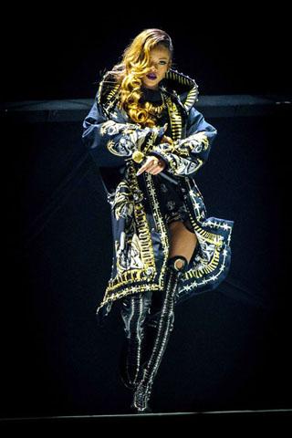 Rihanna Diamond Tour