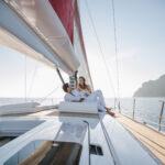 A vela lungo la riviera ligure per un servizio di Pura Follia